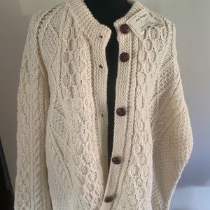 Handknit Ireland wool sweater NWT